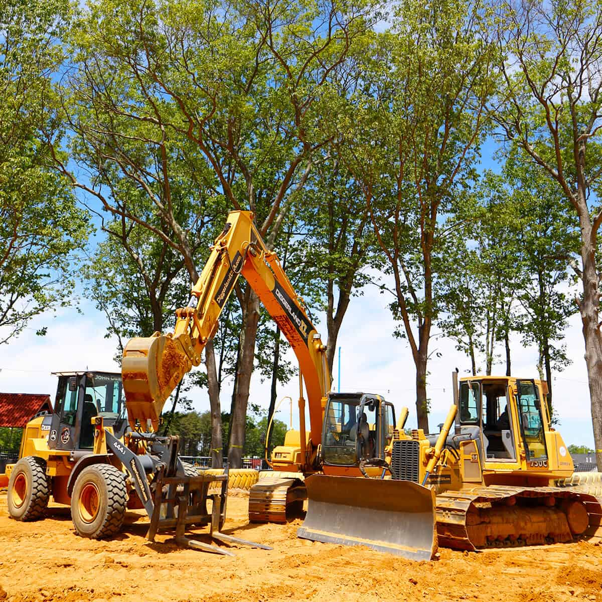 Wheel loader, excavator and bulldozer XL experience machines
